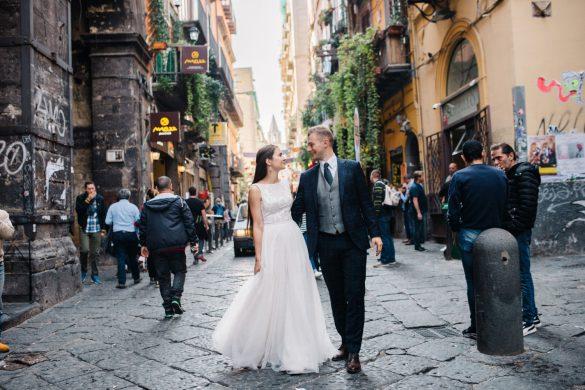 Zakochać się w mieście. Spacer po Neapolu
