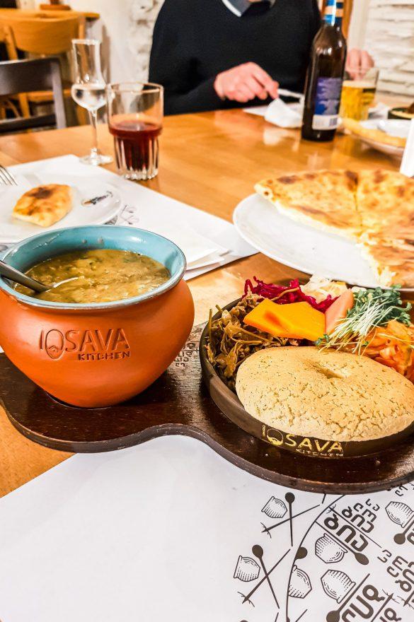 Gruzińska kuchnia, restauracje w Tbilisi - bele kaj, blog podróżniczy po śląsku