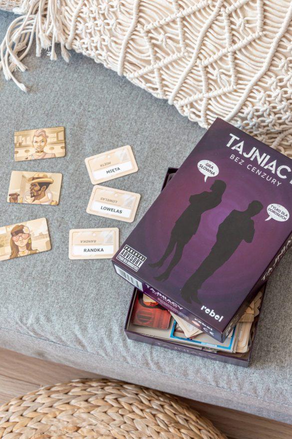 Ranking najlepszych gier planszowych - Tajniacy - blog podróżniczy