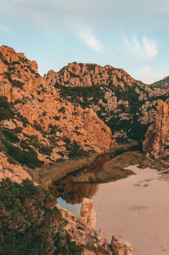 Plaża Li Cossi, Sardynia, Włochy - bele kaj - blog podróżniczy