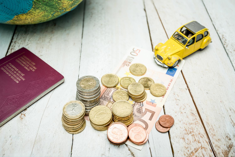 Podróż za darmo - Jak zarobić na promocjach bankowych?